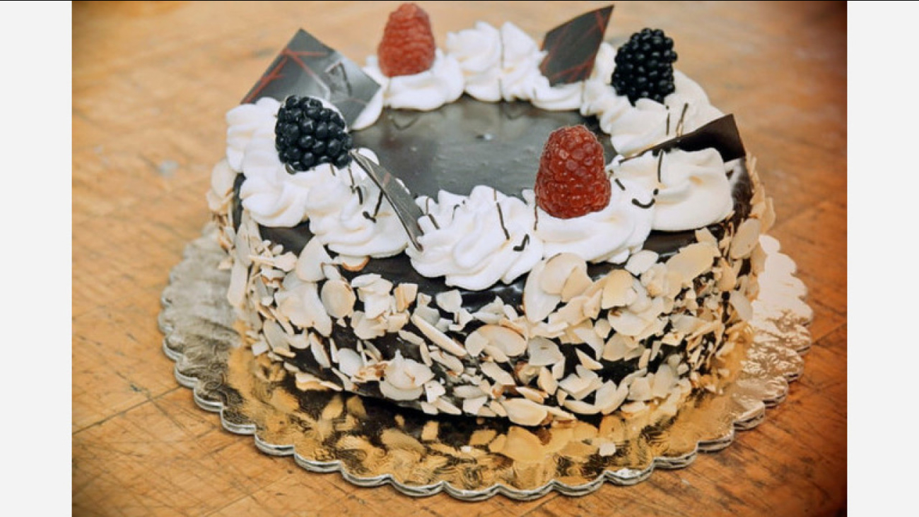 Outstanding Fresnos Top 4 Bakeries To Visit For Cakes Pastries And Chinese Funny Birthday Cards Online Alyptdamsfinfo