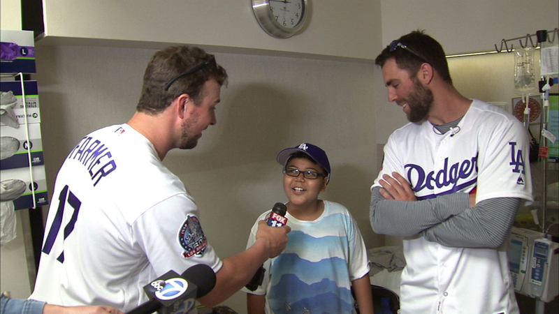 Dodgers players visit pediatric wing at Cedars Sinai