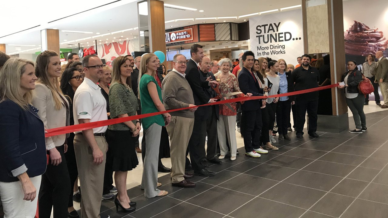 Woodfield Mall opens new dining pavilion | abc7chicago com