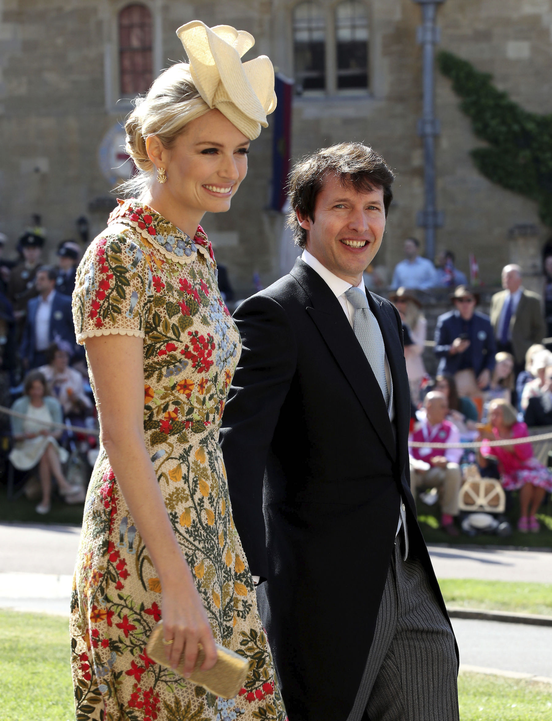 "<div class=""meta image-caption""><div class=""origin-logo origin-image ap""><span>AP</span></div><span class=""caption-text"">James Blunt and Sofia Wellesley arrive at St George's Chapel at Windsor Castle for the wedding of Meghan Markle and Prince Harry. (Chris Radburn/PA Wire)</span></div>"