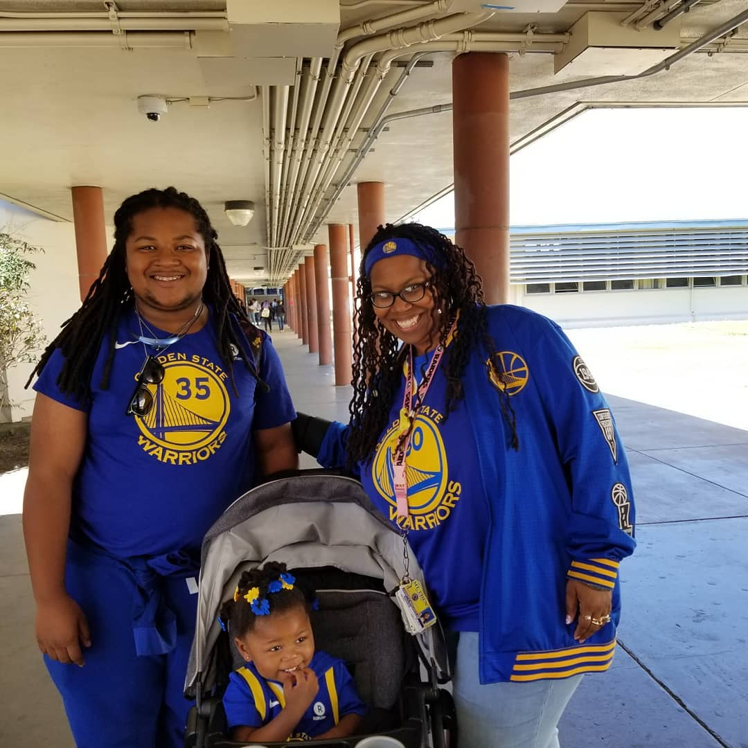 <div class='meta'><div class='origin-logo' data-origin='none'></div><span class='caption-text' data-credit='Photo submitted to KGO-TV by @jjmadu/Instagram'>Warriors fans show their spirit during the 2017-2018 season. Share your photos using #DubsOn7 and you may see them online or on TV!</span></div>