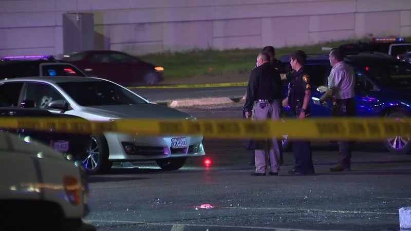 San Antonio police officer shot after driver says he allegedly cut him off