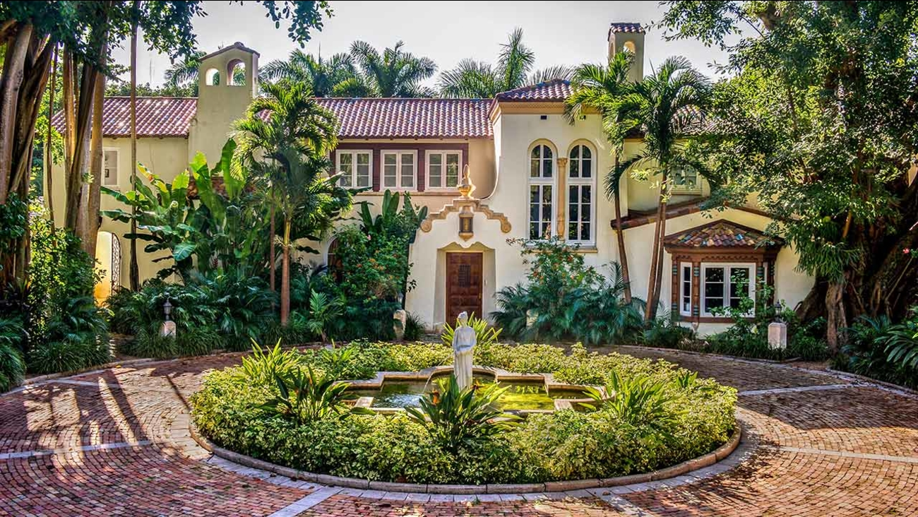 Super This Historic Miami Mansion Could Be Yours For 65 Million Home Interior And Landscaping Ponolsignezvosmurscom