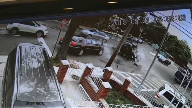 CAUGHT ON VIDEO 5 Car Crash In Whitestone Queens Leaves Several Injured