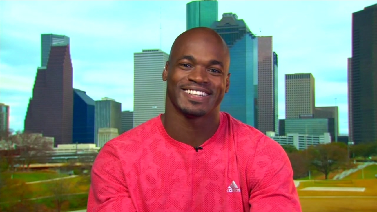 NFL star Adrian peterson hosting peace walk in southeast houston