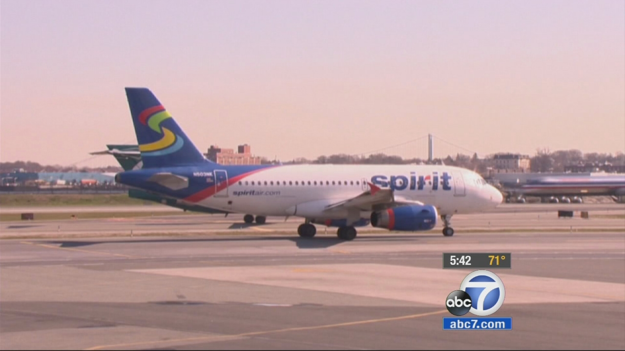 Consumer Reports looks at airline frequent-flyer programs