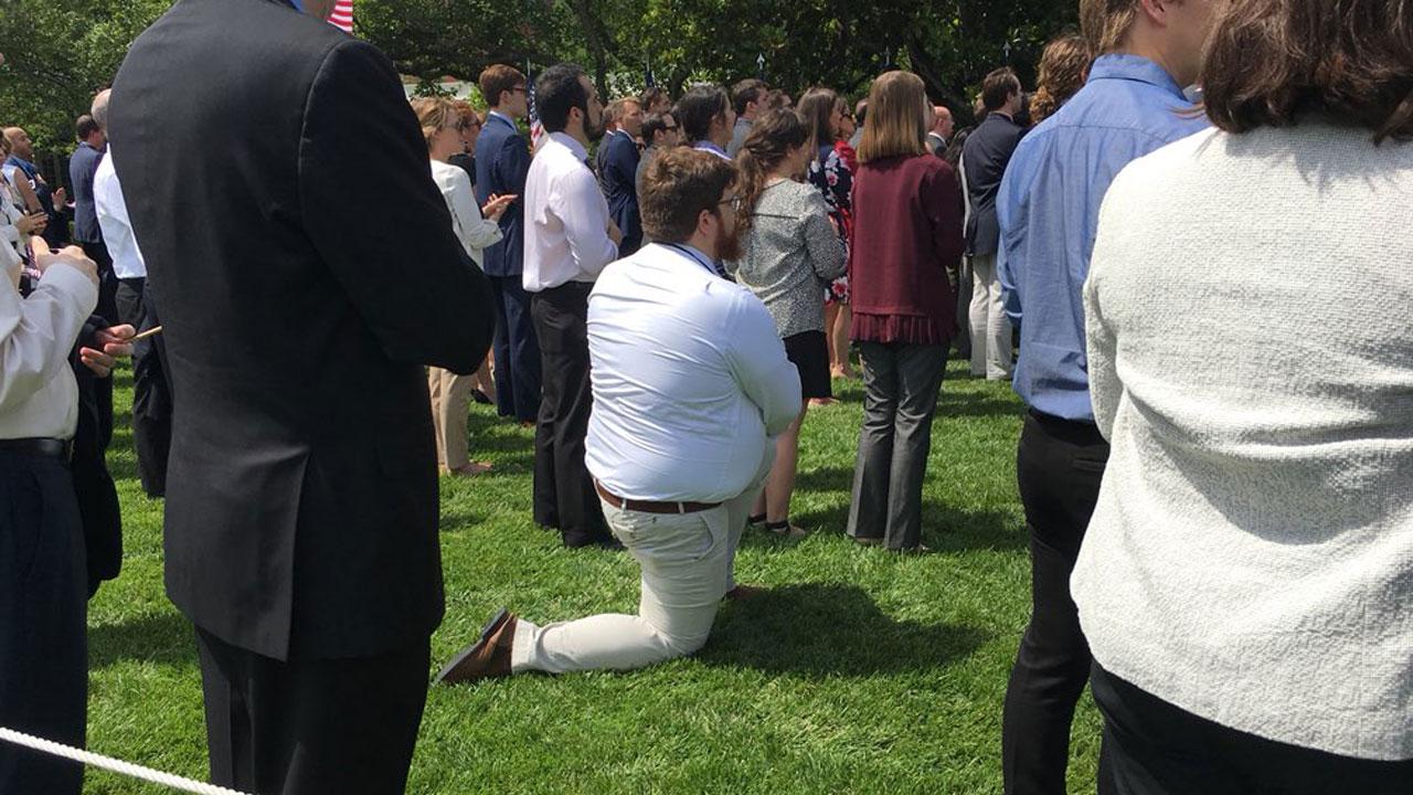 Man Kneels During National Anthem At Philadelphia Eagles Less White House Event Abc7 San Francisco