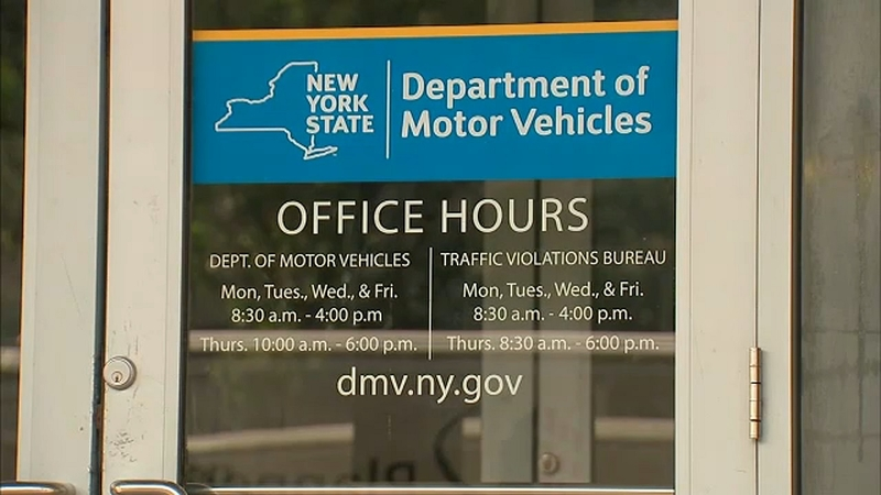 Report: Harlem DMV clerks accepted cash, favors to dismiss tickets