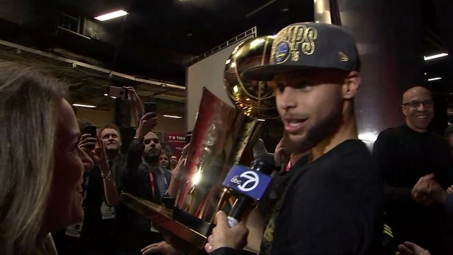 388b1f5c868927 VIDEO: Steph, KD, Warriors land in Oakland, celebrate with fans ...