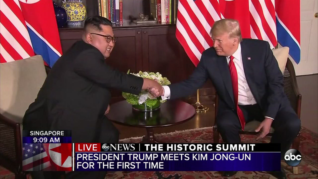 United States President Donald Trump /& Kim Jon-Un 2018 Peace Talks 11 Inch Sign