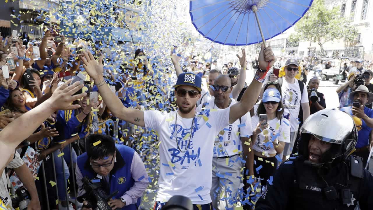 b2e60b8cbba7c Golden State Warriors 2018 victory parade in Oakland
