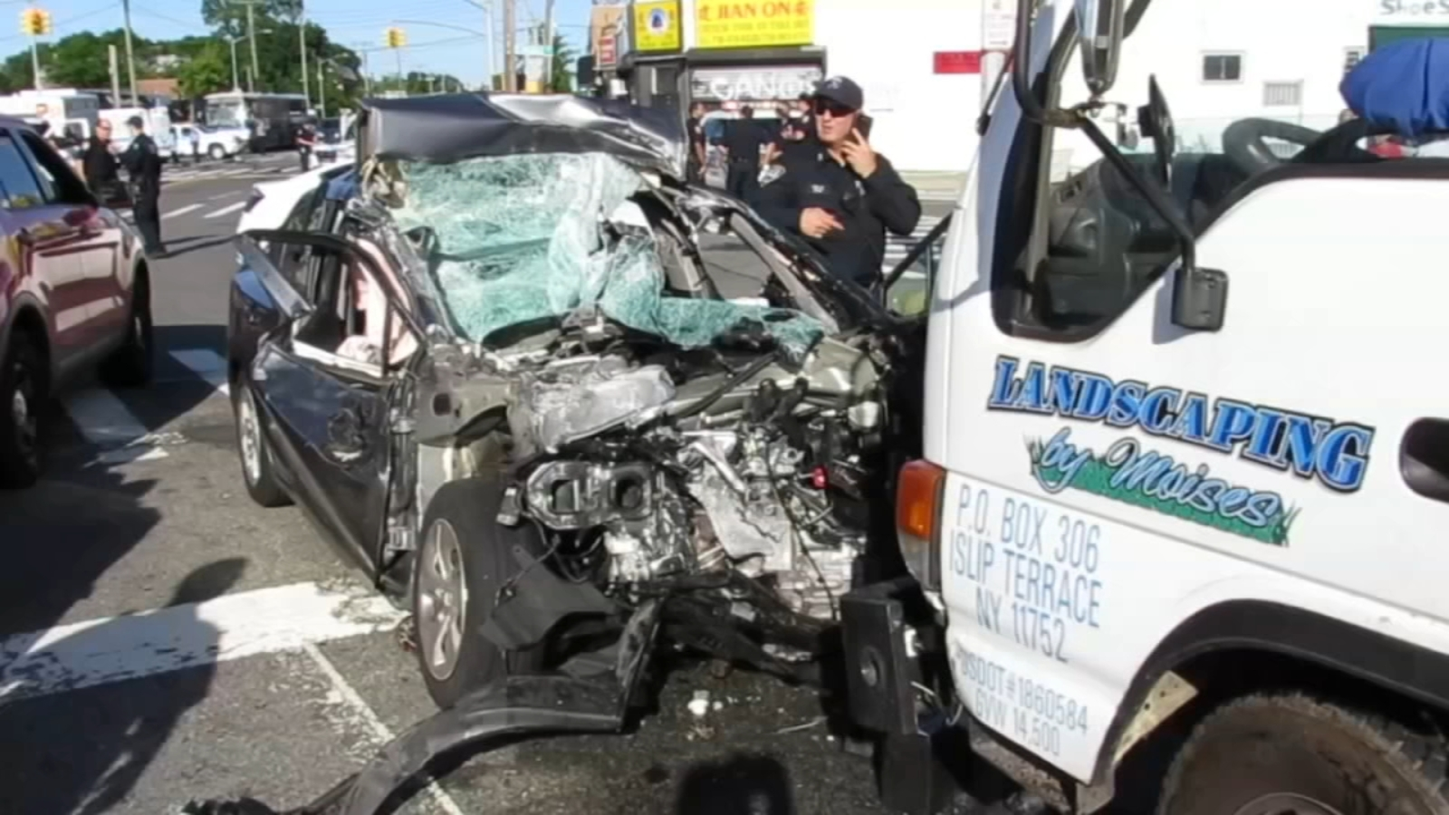 3-vehicle crash in Queens leaves 4 injured