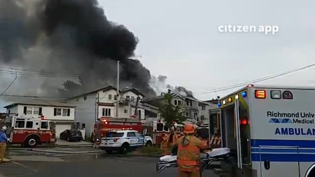 M Ive Fire Rips Through Multiple Buildings On Staten Island 20 Firefighters Injured Abc7ny Com