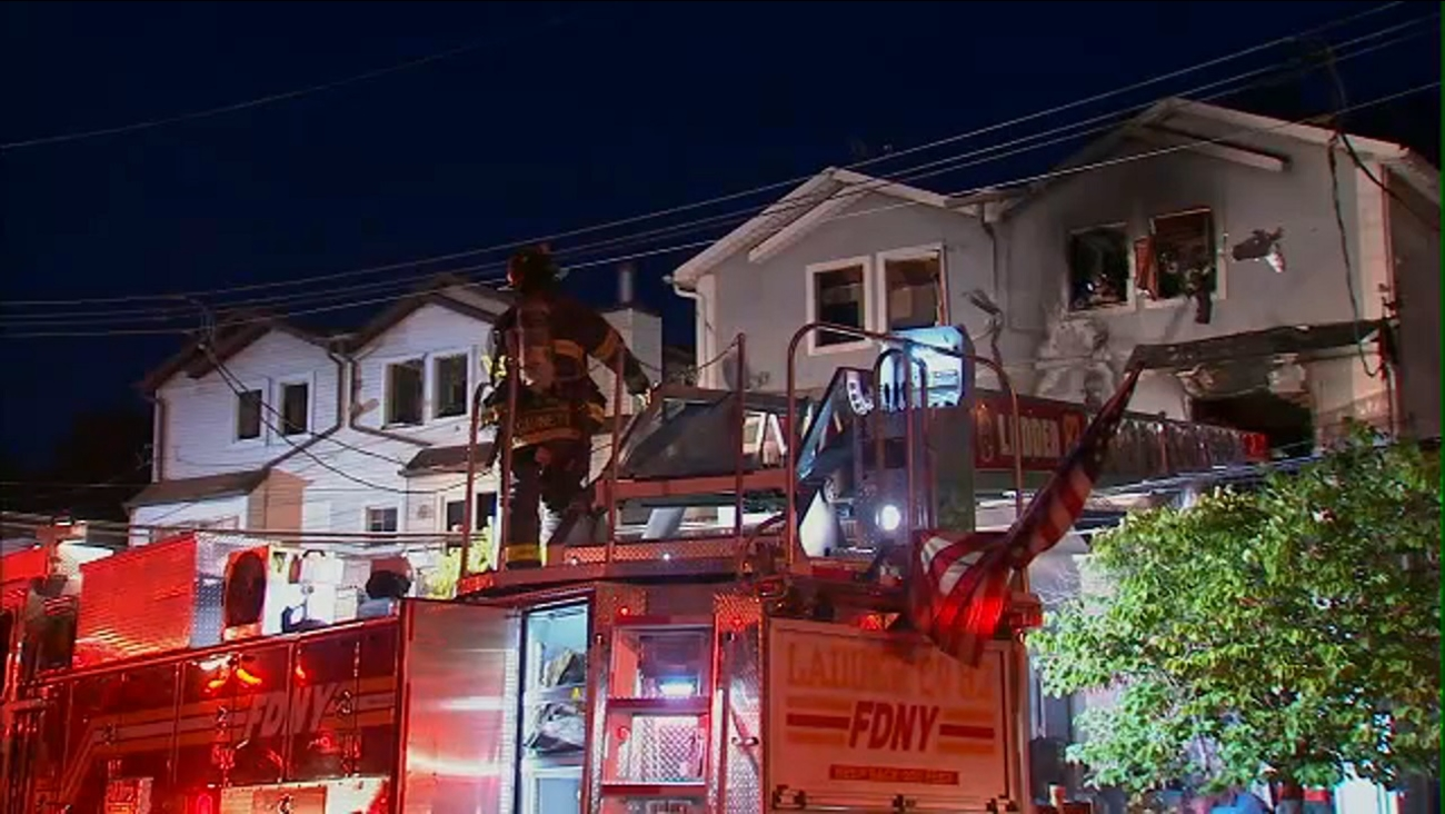 M Ive Fire Rips Through Multiple Buildings On Staten Island 20 Firefighters Injured