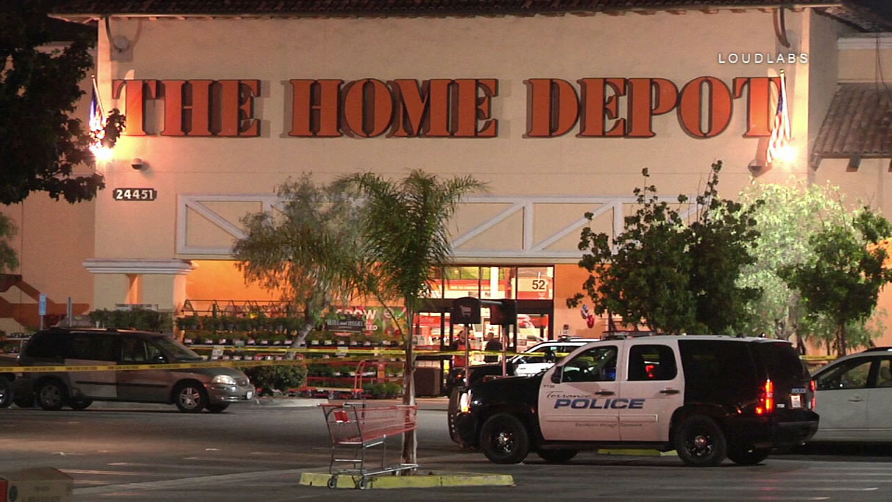 8b406ae9805 Shooting at Torrance Home Depot parking lot leaves man dead