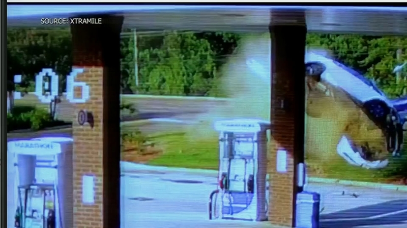 Woman walks away after car goes airborne in Mississippi
