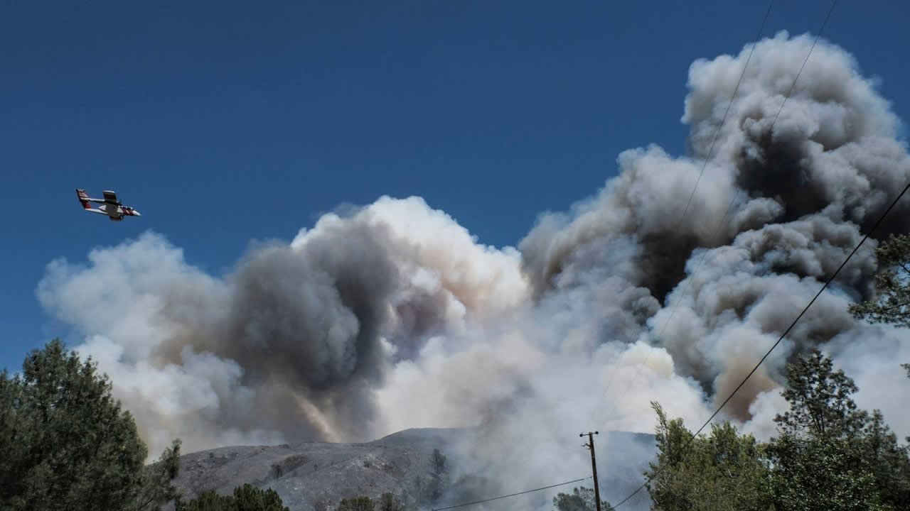 VIDEO: Destructive Pawnee Fire raging through Lake County | abc7news com