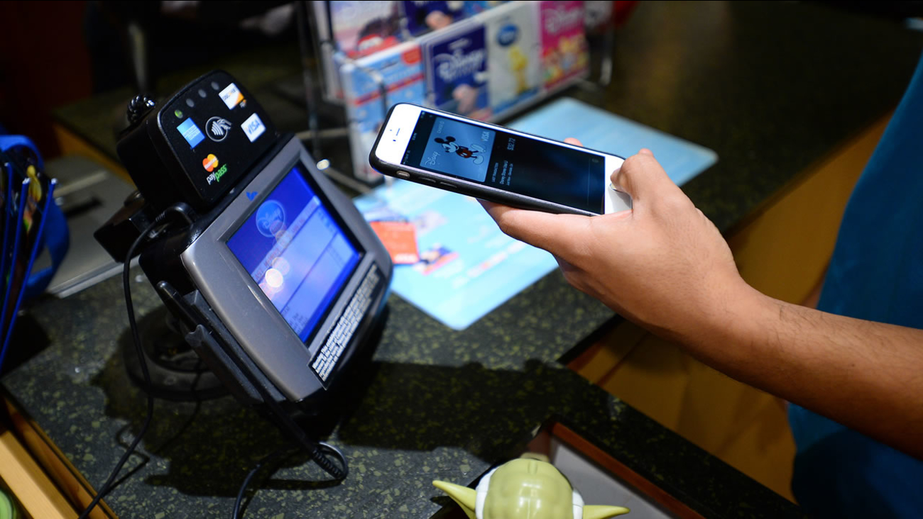 CVS, Rite Aid discontinue taking Apple Pay at stores