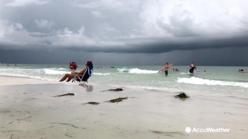 VIDEO: Dramatic lightning streak shoots across sky in
