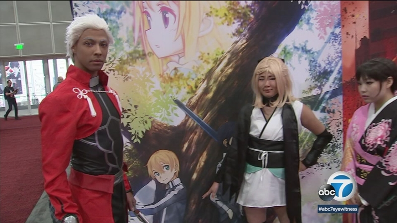 Anime Fans Flock To La S Convention Center Abc7 Los Angeles