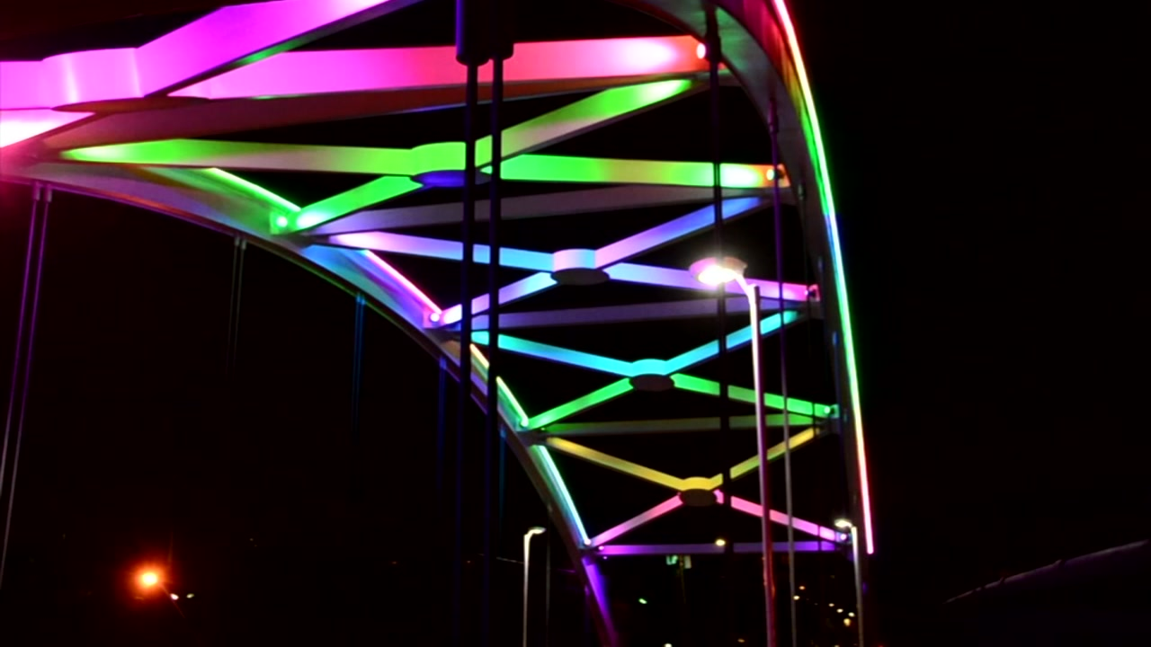 Houston S Light Show The Montrose Bridge Lights Abc13