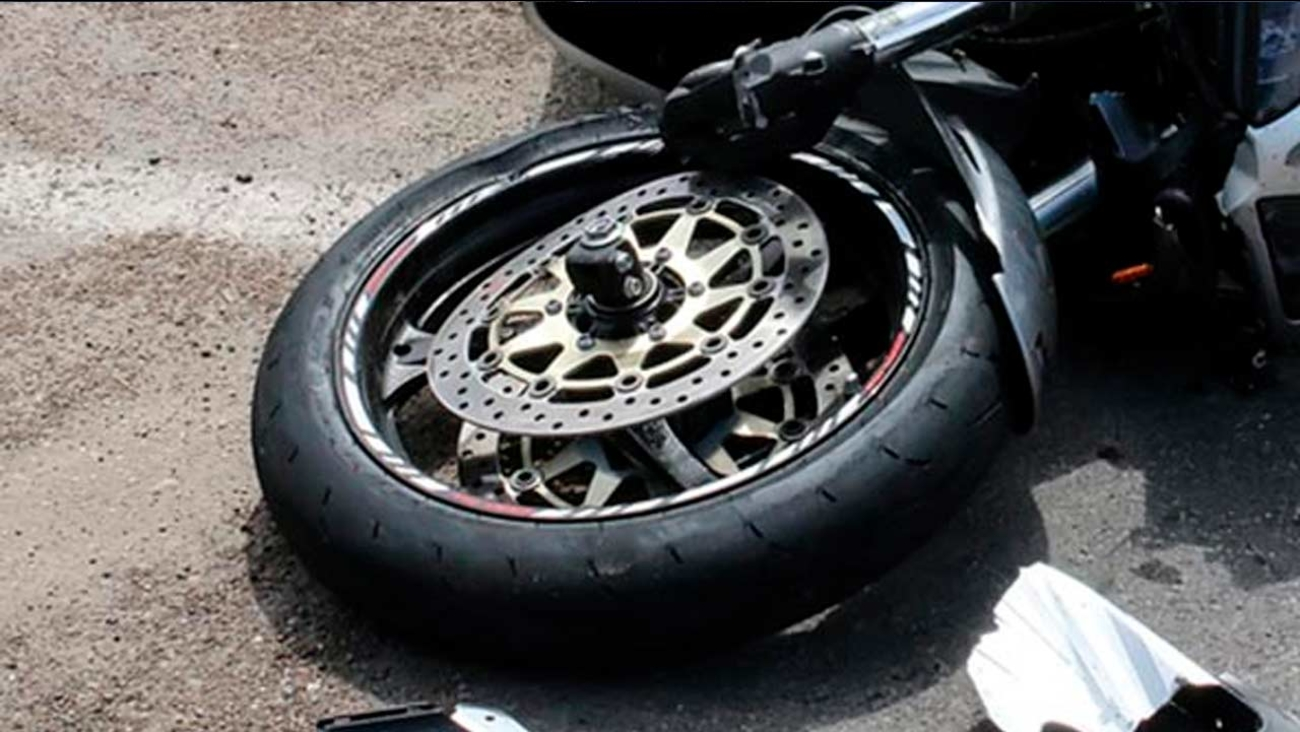 Motorcyclist Fleeing Police Killed In New Jersey Crash 6abc Com