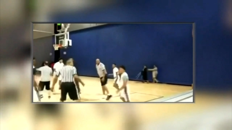 VIDEO: Chicago basketball players, referees trade punches at