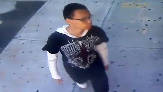 12b2e703 New video released of attempted rapist in Bronx park