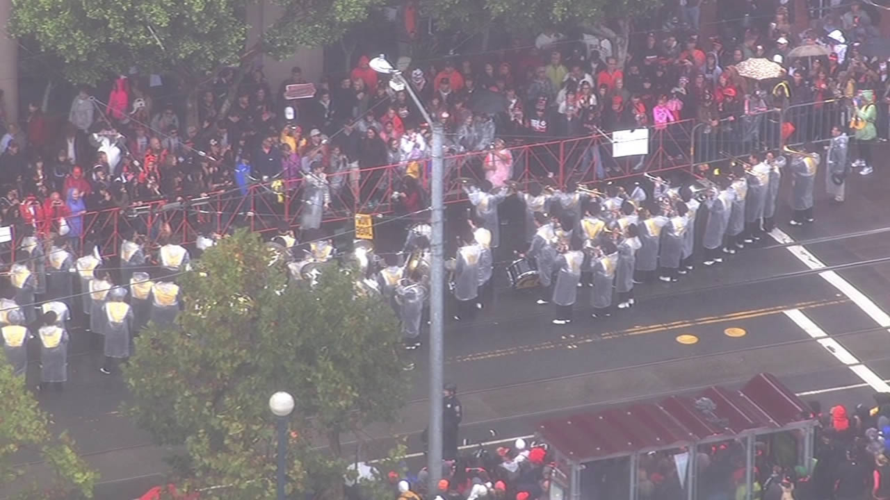 "<div class=""meta image-caption""><div class=""origin-logo origin-image ""><span></span></div><span class=""caption-text"">Thousands of people came out to celebrate during the San Francisco Giants 2014 Victory Parade in San Francisco, October 31, 2014. (ABC7 News)</span></div>"