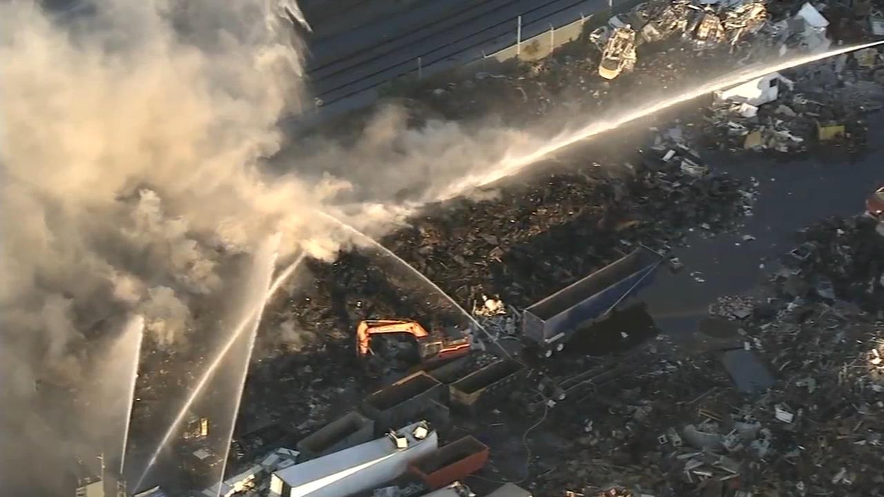 Air quality in question following Kensington junkyard fire | 6abc.com