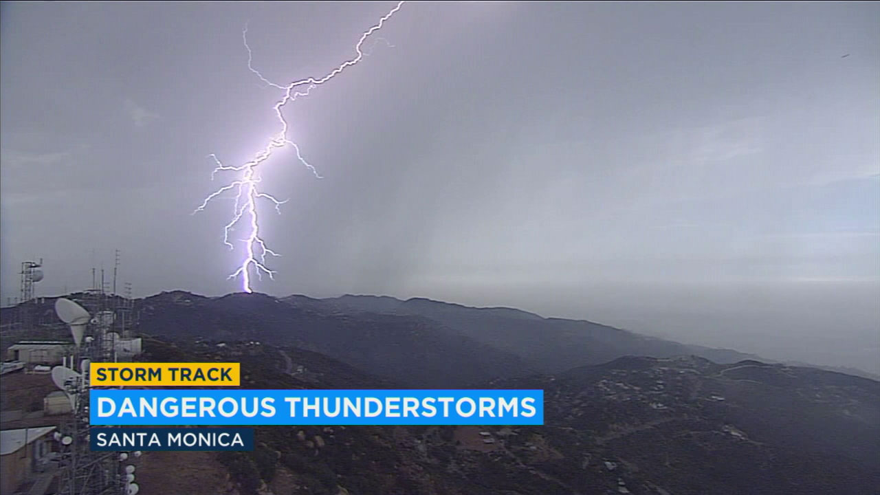 Lightning Prompts Evacuation Closure Of Beaches In Santa Monica Malibu Abc Com
