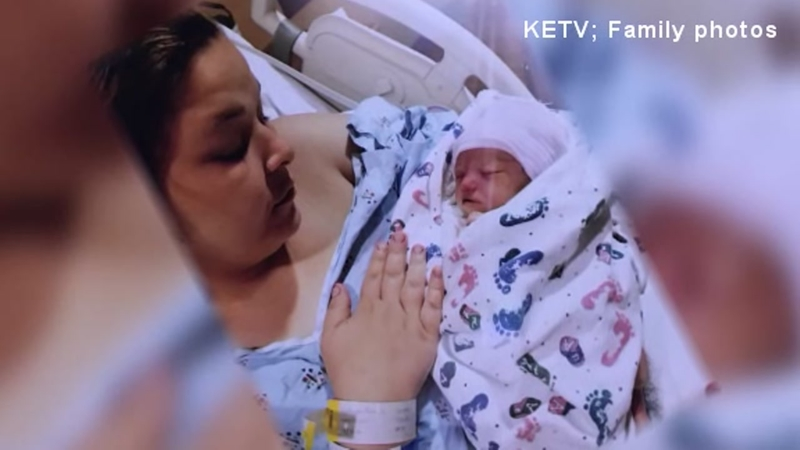 Baby Born Prematurely Dies After Mothers 911 Calls Go Unanswered