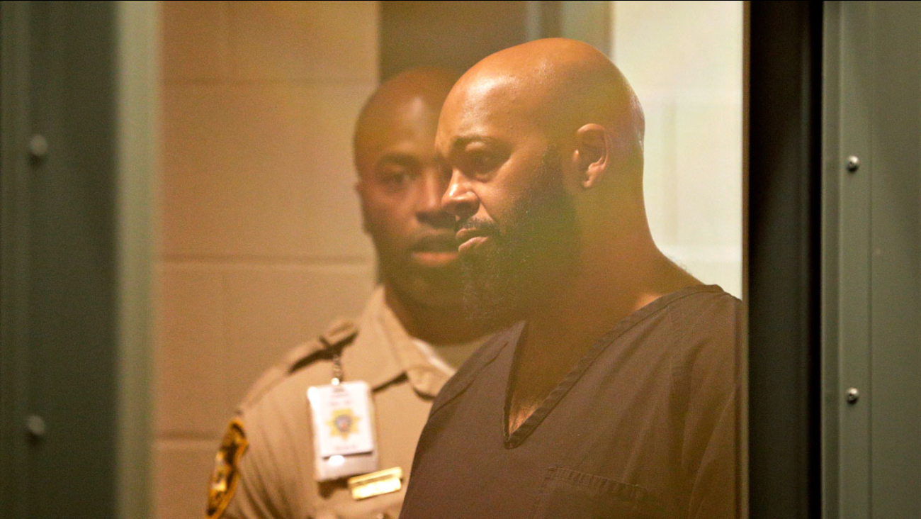 Rap music mogul Marion 'Suge' Knight appears in court on a traffic warrant Thursday, Oct. 30, 2014, in Las Vegas following his arrest as a fugitive in a California robbery case.