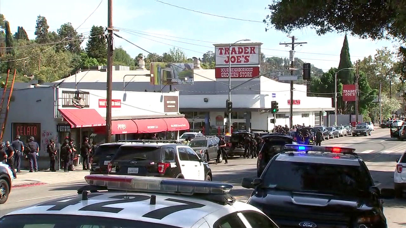 Mothers Day At Trader Joes In Madison >> Silver Lake Trader Joe S Remains Closed Following Deadly Situation