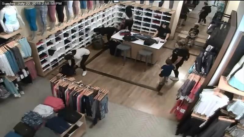 Group of women steal $10,000 worth of Lululemon leggings