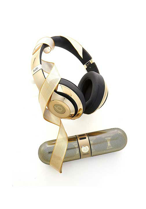 "<div class=""meta image-caption""><div class=""origin-logo origin-image ""><span></span></div><span class=""caption-text"">Golden Beats by Dre, $700 at NeimanMarcus.com. Oprah says, ''Both items are Bluetooth enabled and shockingly lightweight--and will sound as good as they look for years to come.'' (Photo/Gregor Halenda, Oprah.com)</span></div>"