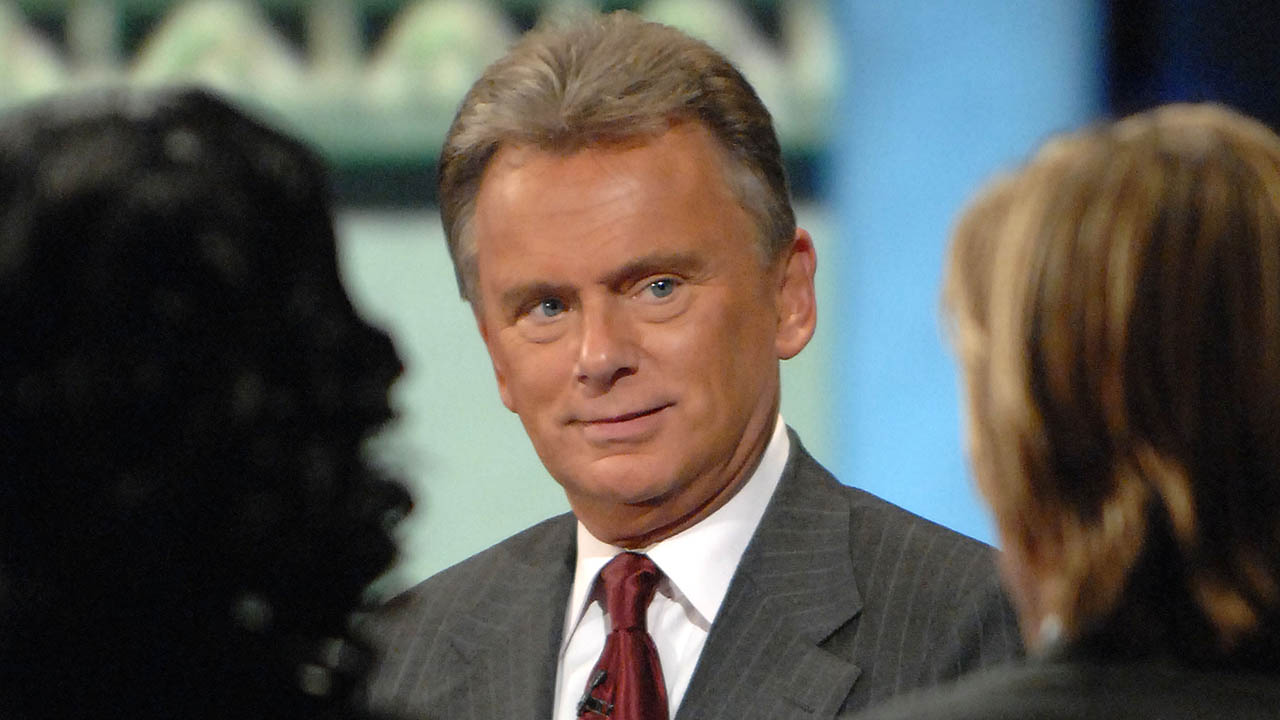 Wheel Of Fortune Host Pat Sajak Flips Out Walks Off Set When Contestants Can T Figure Out Puzzle Abc13 Houston