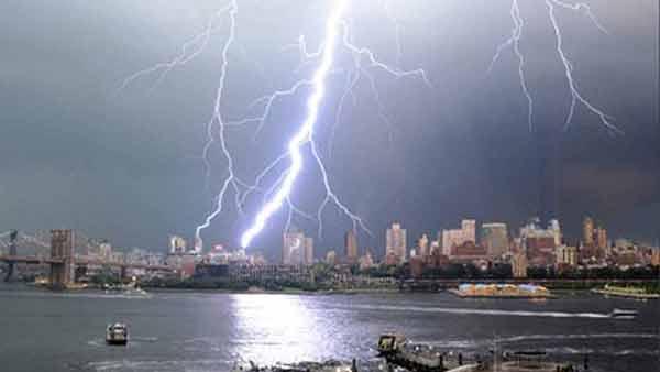 Photos Of Tuesdays Lightning Strikes Around New York City