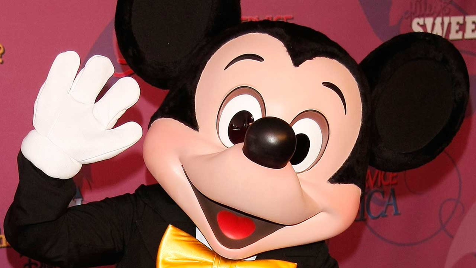 Happy Birthday Mickey Mouse Facts About Everyone S Favorite Mouse Abc7 Chicago