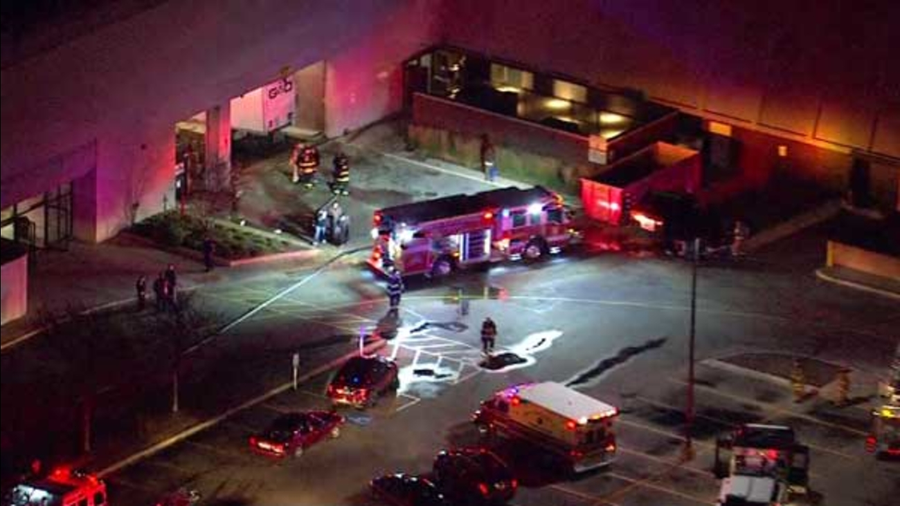 Crews Contain Fire To Carson Pirie Scott Loading Dock At North