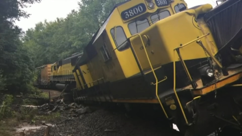 NY train derailment spills thousands of gallons of fuel into Delaware River