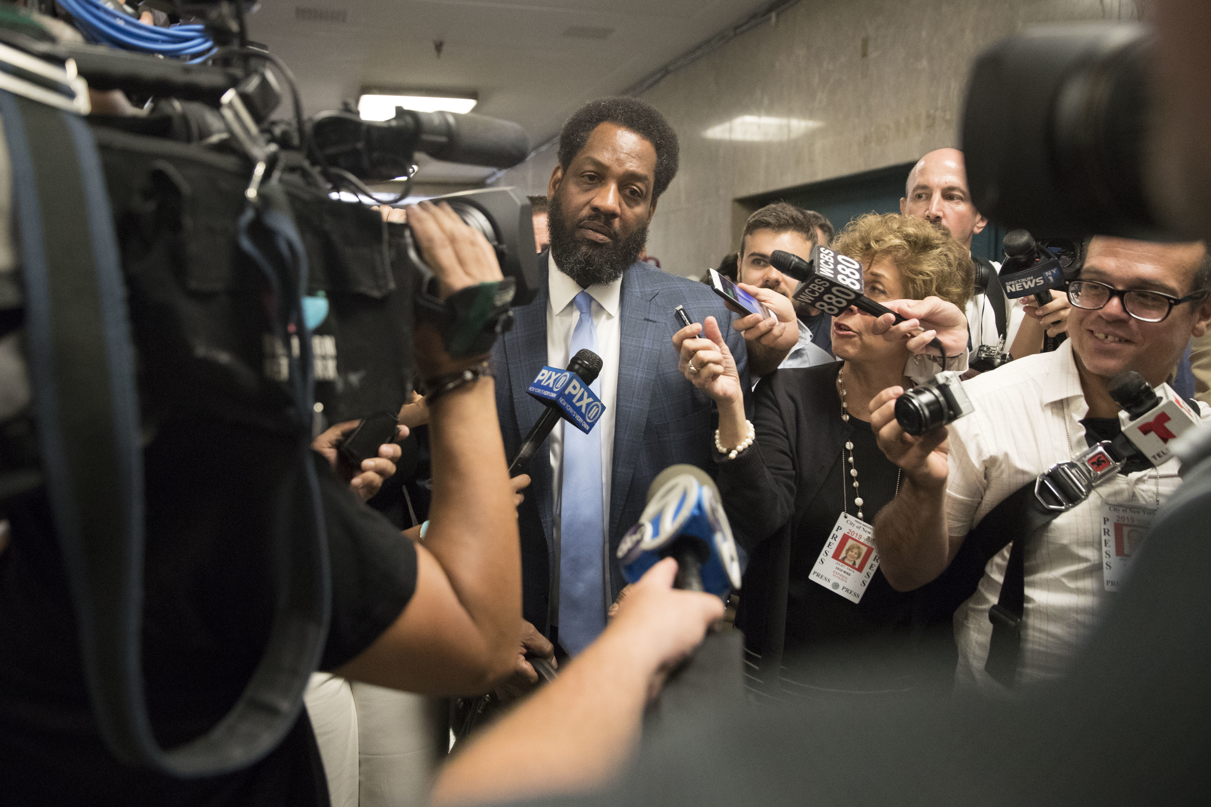 <div class='meta'><div class='origin-logo' data-origin='AP'></div><span class='caption-text' data-credit='AP Photo/Mary Altaffer'>Attorney Norman Williams is surrounded by reporters after the arraignment of his client, James Currie, in Manhattan criminal court, Friday, Aug. 10, 2018, in New York.</span></div>