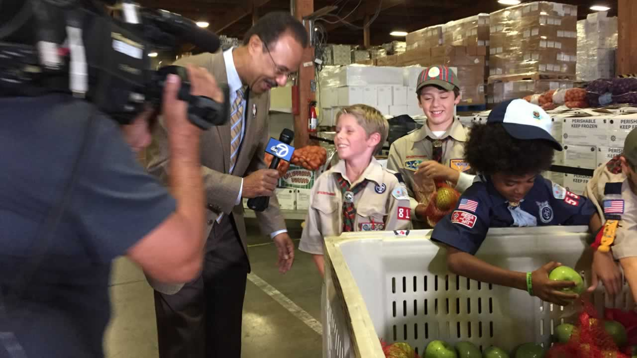 "<div class=""meta image-caption""><div class=""origin-logo origin-image ""><span></span></div><span class=""caption-text"">Scouts from San Francisco Bay Area Council - Tres Ranchos District joined ABC7's event, helping sort and pack produce.</span></div>"