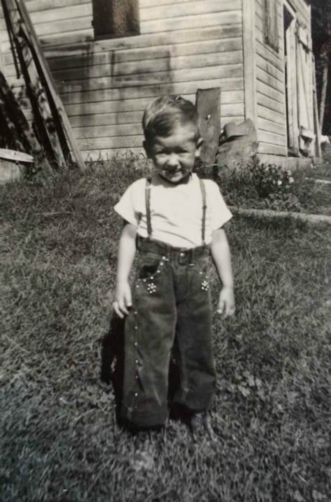 "<div class=""meta image-caption""><div class=""origin-logo origin-image ""><span></span></div><span class=""caption-text"">Cupich was three-years old in this photo. (WLS Photo)</span></div>"