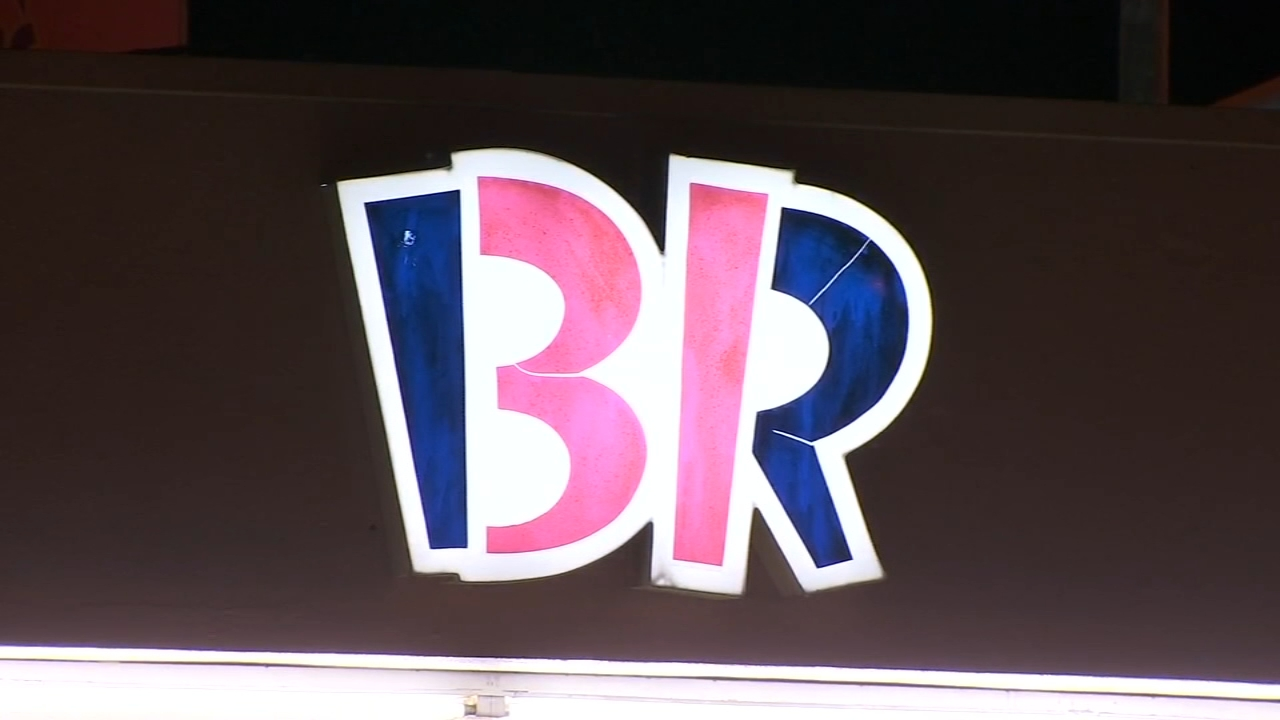 Police Searching For 2 Suspects After Baskin Robbins In Central