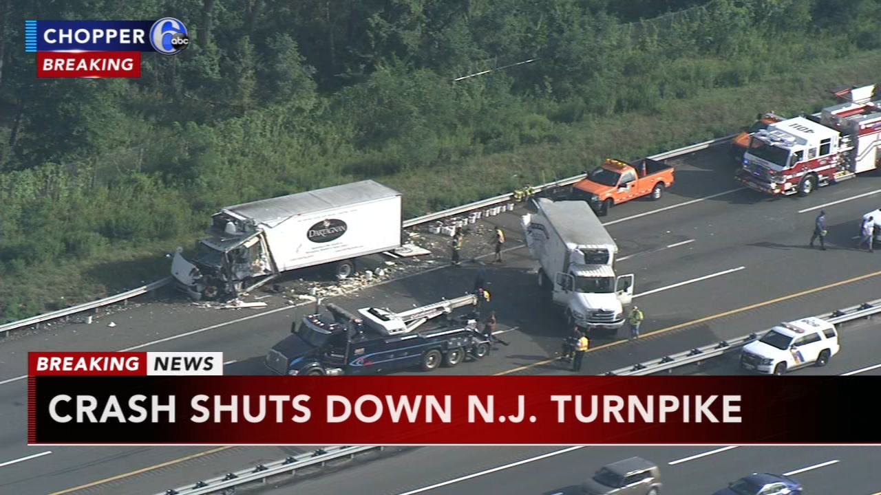4 vehicles crash on NJ Turnpike in Bordentown   6abc.com