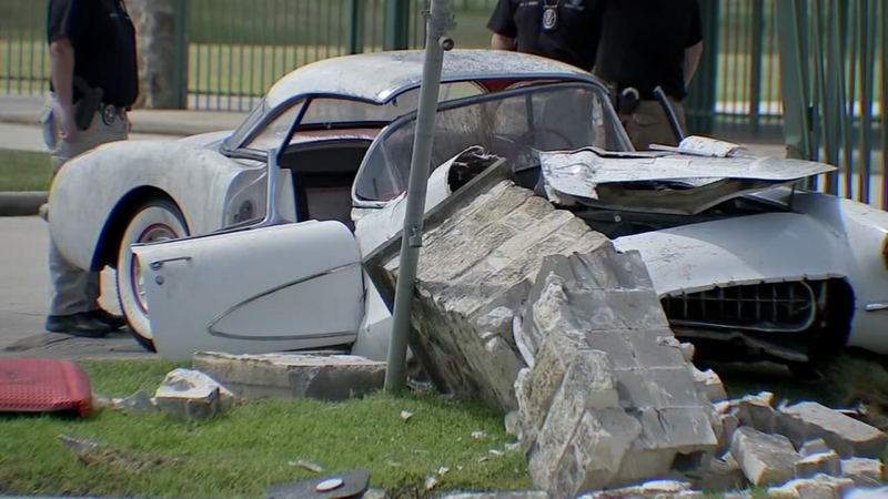 Police suspect foul play in death of man found in crashed car