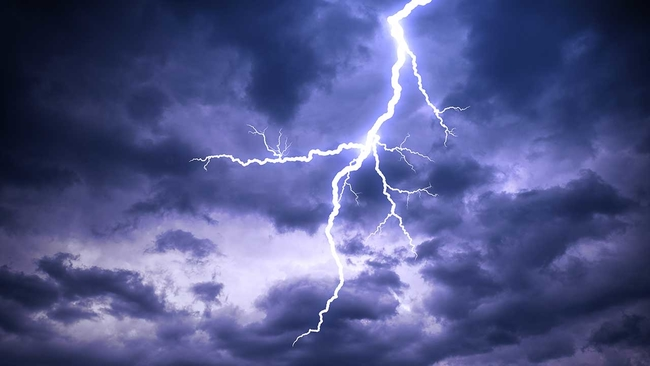 Lightning Does Strike In The Same Place Twice And Other Myths Debunked Abcchicago Com