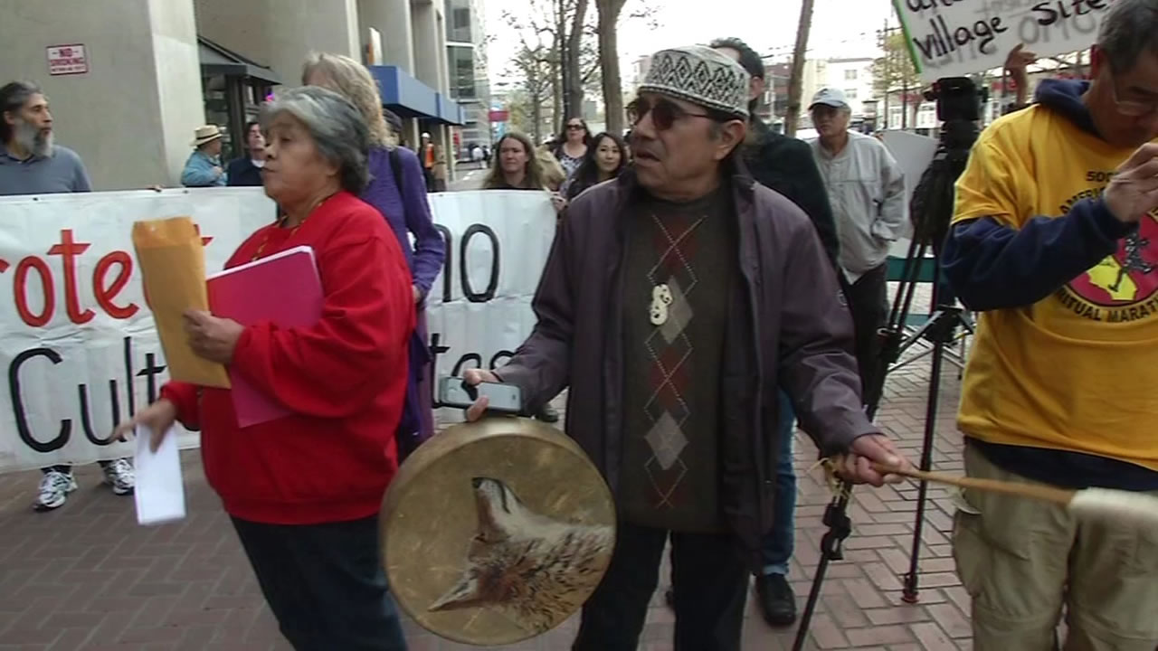 Coyote Valley Band of Pomo Indians demonstrate