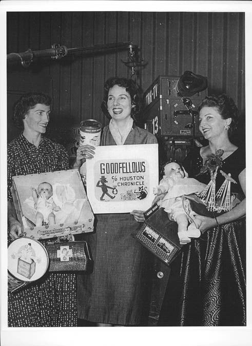 """<div class=""""meta image-caption""""><div class=""""origin-logo origin-image """"><span></span></div><span class=""""caption-text"""">Maxine Robberts and Minerva Black back in the 50s (Photo/ABC-13)</span></div>"""